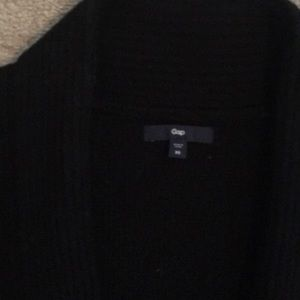 abe73b3ad26 Gap black cardigan with tie and pockets